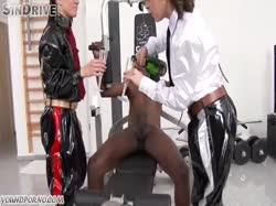 Screenshot for Красотки в униформе сосут здоровый член негру